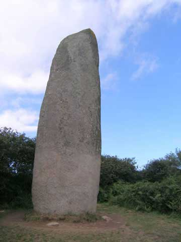 Kerloas menhir (Brittany, France), 9.5m tall (150 tons)